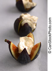 Roasted Figs in Mascarpone Cheese Honey and Hazelnuts