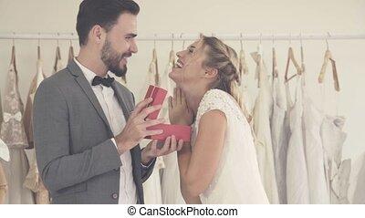 robe, ceremony., mariage, mariés, palefrenier, préparer, ...