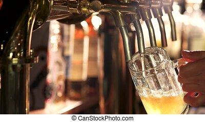 robinet, après, remplissage, bière, verre., désactivation