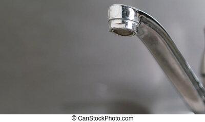 robinet eau, égouttement