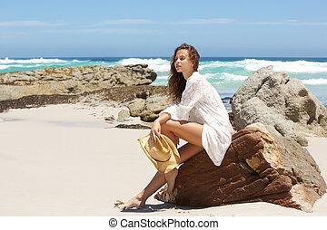 roca, mujer, playa, joven, sentado