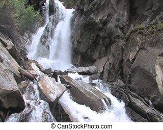 rocher, chutes d'eau
