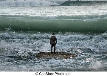 rocher, homme affaires, vagues océan, debout, revêtement, imminent