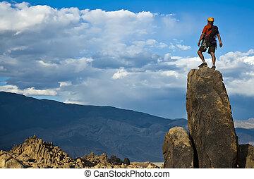 rocher, nearing, summit., grimpeur