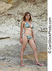 rochers, bikini