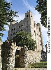 Rochester Castle entrance, England - Rochester Castle in...
