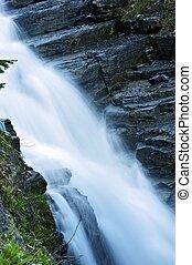rochoso, cachoeira