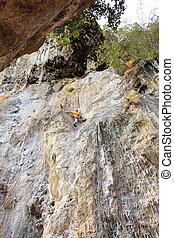 rock bergsbestigare, på, a, klippa, thailand