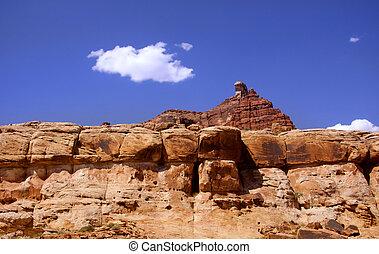 Rock formations near Glen canyon recreation area