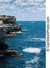 Rocks, the sea and the yacht... - Ukraine, Crimea (abrupt ...