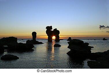 Rocky sunset 3
