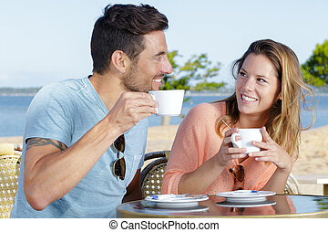 rocznik wina, kawa stół, para, filiżanka