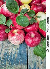 rode tafel, houten, oud, appeltjes