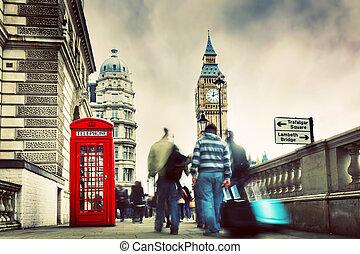 rode telefooncel, en, de big ben, in, londen, engeland, de, uk.