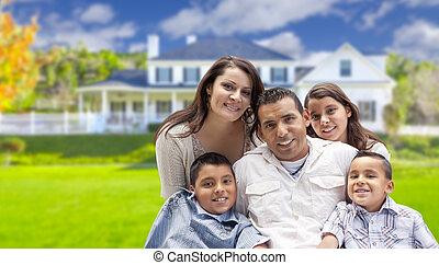 rodina, hispánský, mládě, jejich, čerstvý, čelo, domů