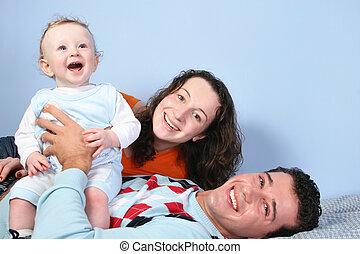 rodzina, łóżko, szczęśliwy