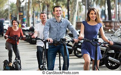 rodzina, cztery, rowery, electrkc