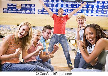 rodzina, dwa, aleja, doping, gra w kule, uśmiechanie się,...