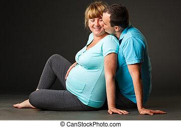 rodzina, młody, razem, usługiwanie, niemowlę, portret, szczęśliwy