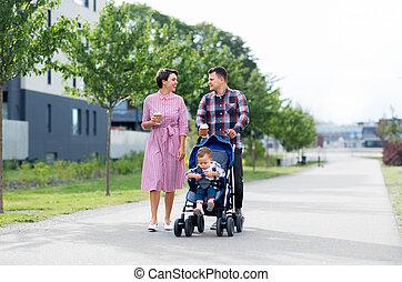rodzina, niemowlę, kawa, miasto, spacerowicz