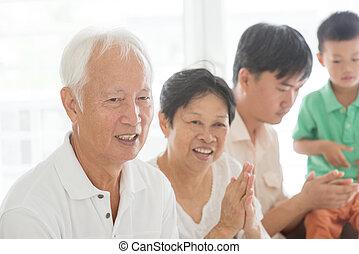 rodzina, oklaski, asian, siła robocza, dom, szczęśliwy