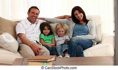 rodzina upozowująca, przed, przedimek określony przed rzeczownikami, bardziej krzywkowy
