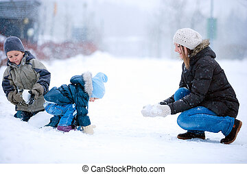 rodzinna zabawa, outdoors, na, zima