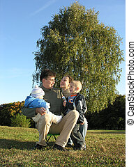 rodzinny czwórkowy, na, trawa