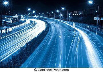 rohanás hour forgalom
