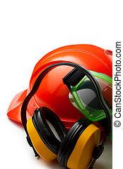 rojo, casco de seguridad, con, audífonos, y, gafas de protección
