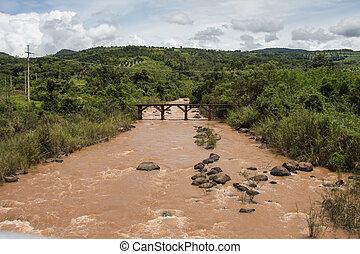 rojo, río, muy, turbulento, flujo