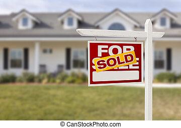 rojo, vendido, en venta, signo bienes raíces, y, casa