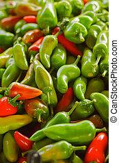 rojo y verde, jalapeno, pimientas