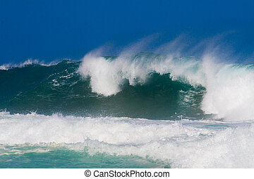 rolling waves in the ocean