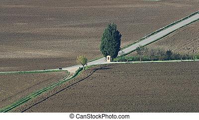rolne drogi, krzyż, kaplica