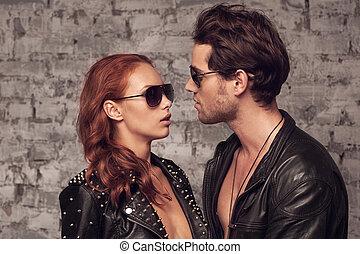 romántico, sol, pareja, glasses., mirar, momento, otro, por,...