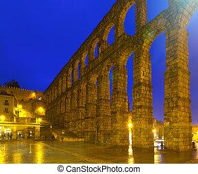 Roman Aqueduct of Segovia in night