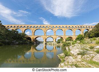 Roman aqueduct Pont du Gard, Provence
