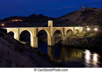 Roman bridge, Alcantara, Caceres Province, Extremadura, ...