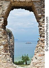 Roman Catullus villa archaeological excavations in Sirmione,...