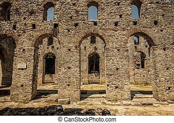 Roman gate in Butrint, Albania - Butrint was one of the ...