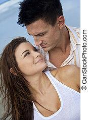 romantico, uomo donna, coppia, su, uno, spiaggia