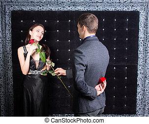 romanticos, homem jovem, pedir, um, mulher, para, casar, ele