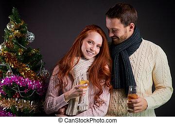 romantique, dépenser, couple, soir, hiver, maison