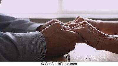 romantique, retiré, tenue, grands-parents, mains, vue, fin,...