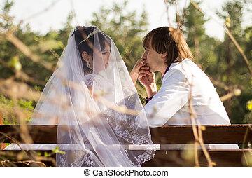 romantique, séance, couple, garez banc, mariage