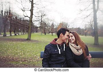 romantique, séance, couple, parc, jeune, banc
