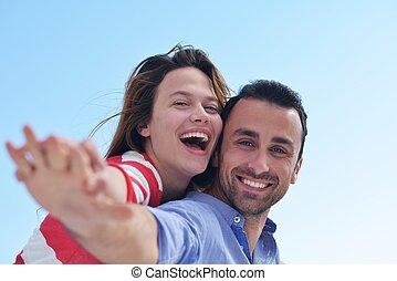 romantische, verslappen, paar, jonge, hebben vermaak, vrolijke