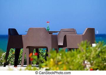 romantisk, bord, stranden, med, a, vacker, sjögång se