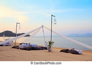 romantisk, tropisk, middag sätta, solnedgång strand